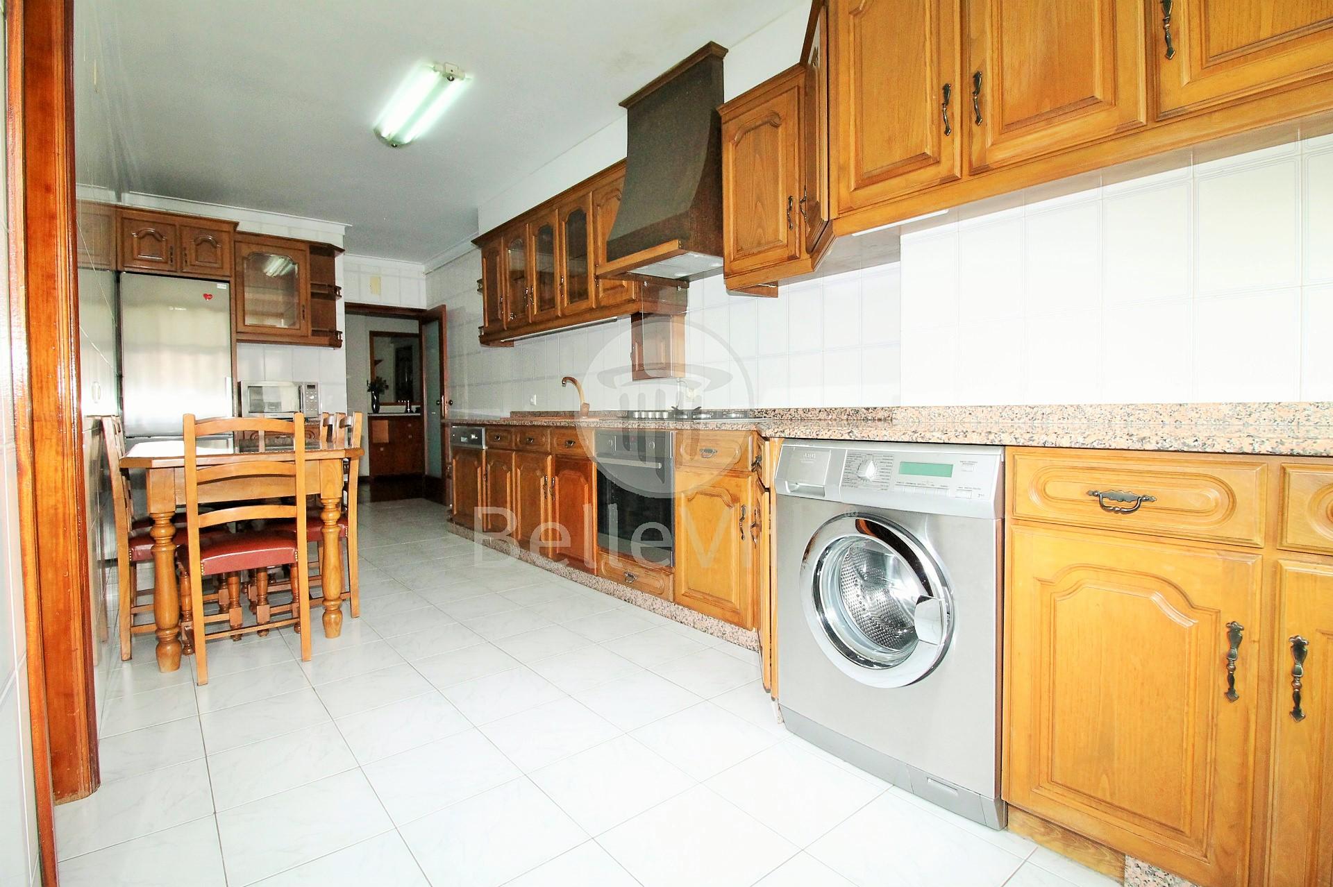 Apartamento T3 mobilado, S. Vitor