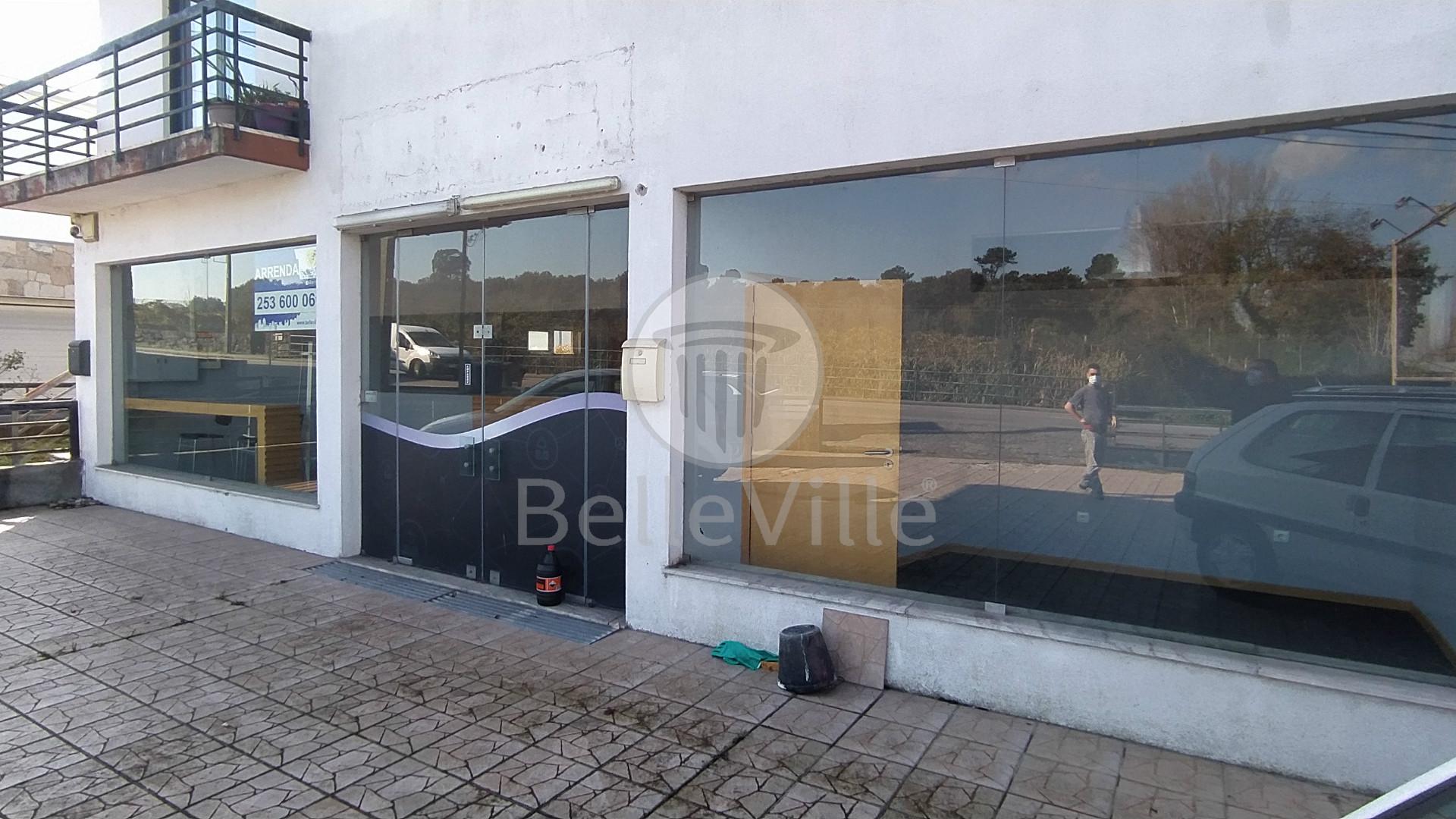Espaço Comercial/Serviços para arrendar em Merelim