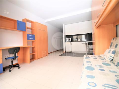 Apartamento T0 Mobilado, Tenões