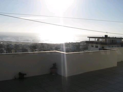 Apartamento T1+1 com vistas de Mar e Praia