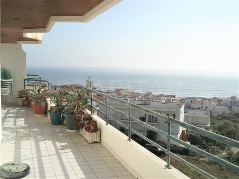 Apartamento T1 com vistas de Mar
