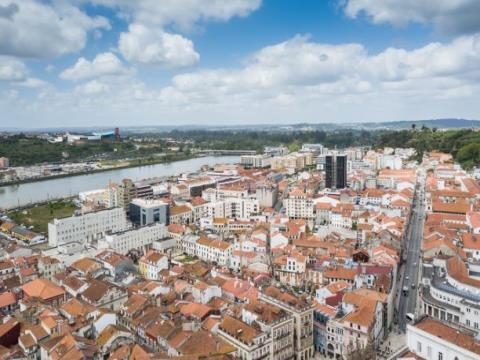 Loja em plena Baixa de Coimbra