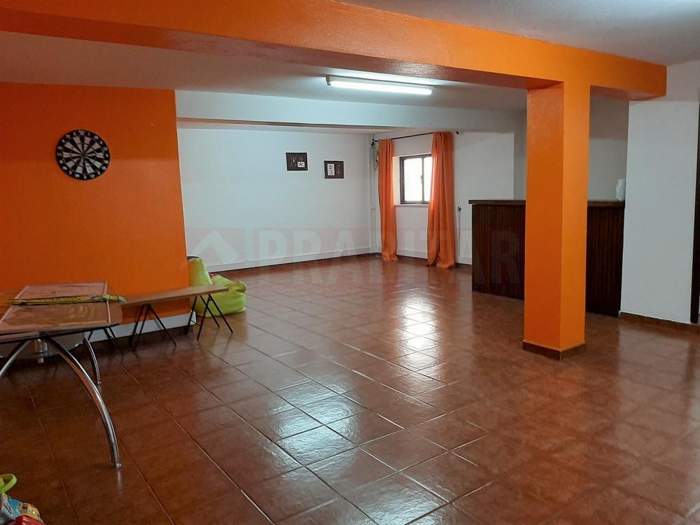 Apartamento T2 com garagem em Santa Apolónia