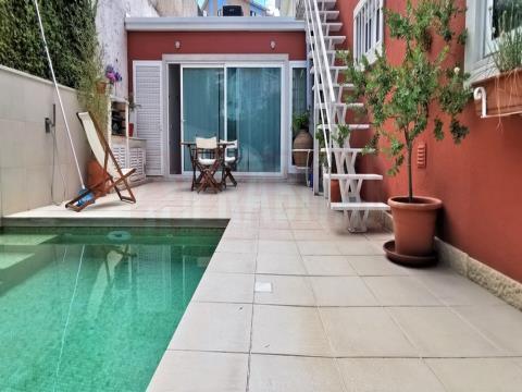 Apartamento T4 Duplex com Piscina, nos Olivais