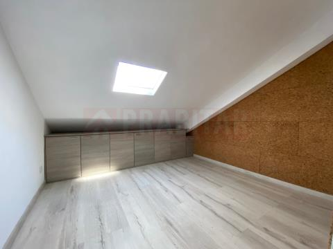 Sótão transformado em Apartamento tipo T3 na Solum