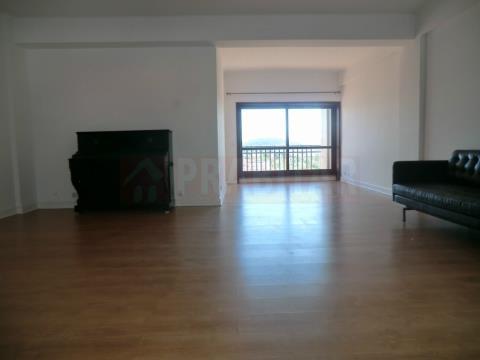 Appartamento 5 Vani +1