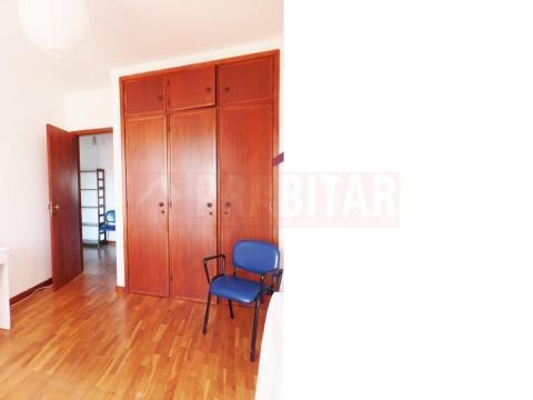 Arrenda-se Apartamento T2 nos Olivais
