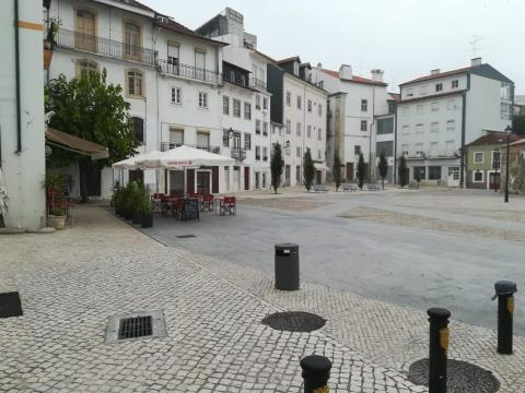 Arrenda-se Loja na Baixa de Coimbra