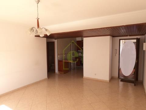 Apartamento T3 em Carnide