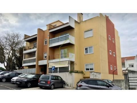 Apartamento T3 no Murganhal, em Caxias