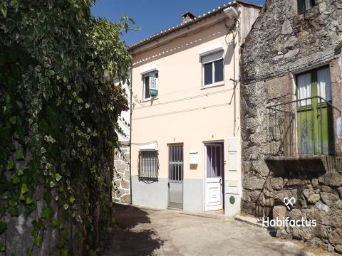 Maison dans village 3 Chambre(s)