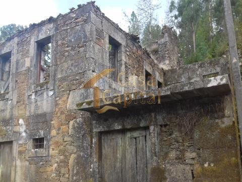 Moradia em Ruína ao NaturWaterPark do Douro