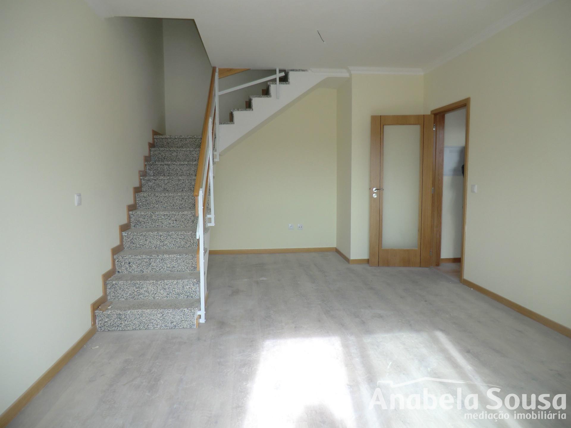 Apartamiento duplex de 3 habitaciones, Viseu, Viseu