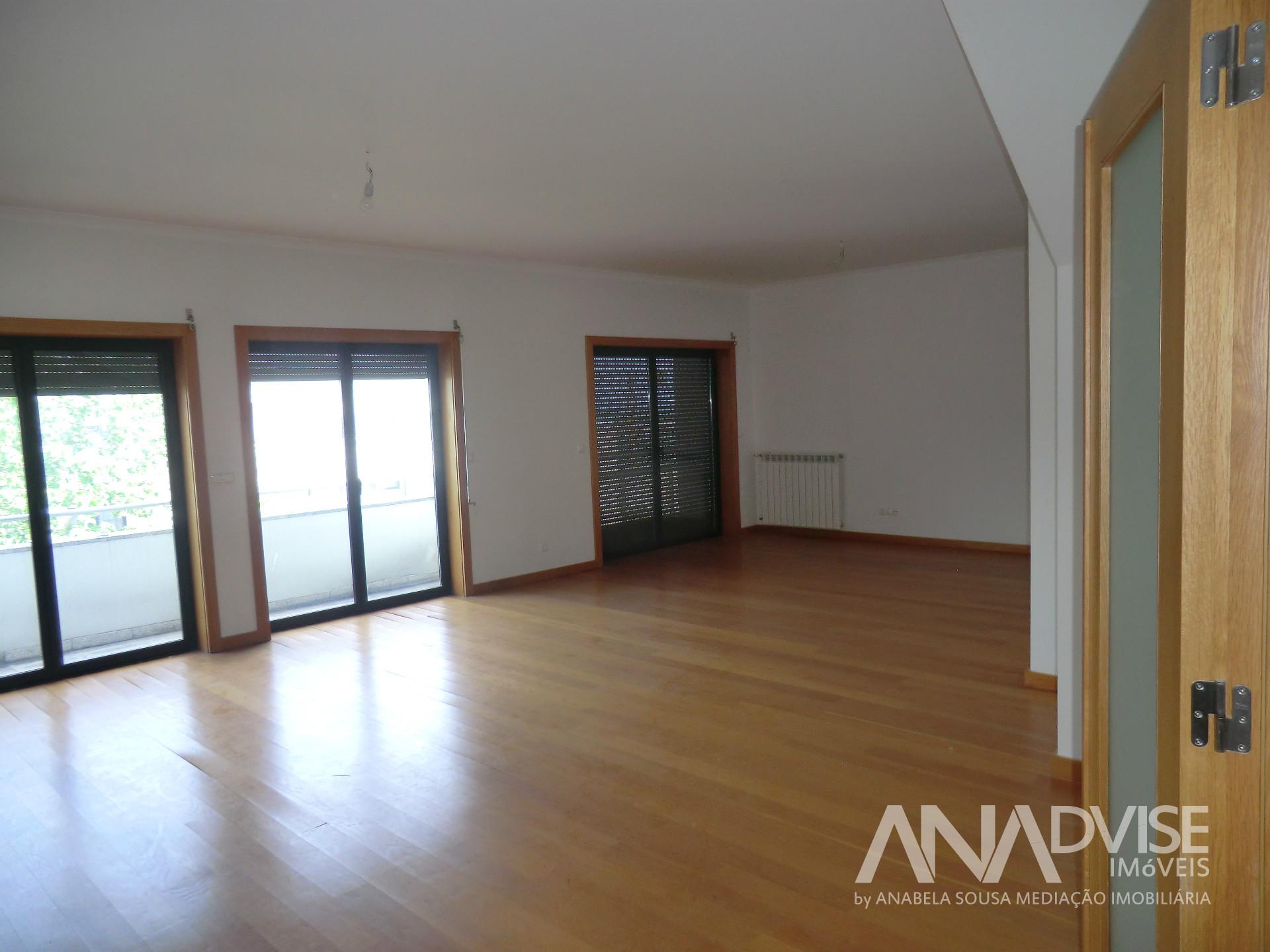 Apartamento T2+3