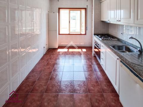 T2 c/ Varanda e Lug. de Garagem - Rio Meão