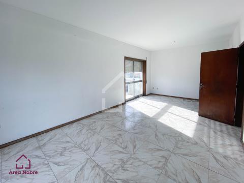 Apartamento T4 - Espinho