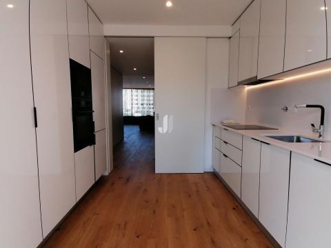 Apartamento T3 Novo - Cais da Fonte da Nova