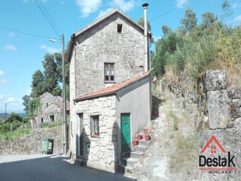 Villa de 2 chambres à vendre située à Vouzela.