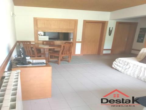 Apartamento T2 para arrendamento nas Termas de São Pedro do Sul.