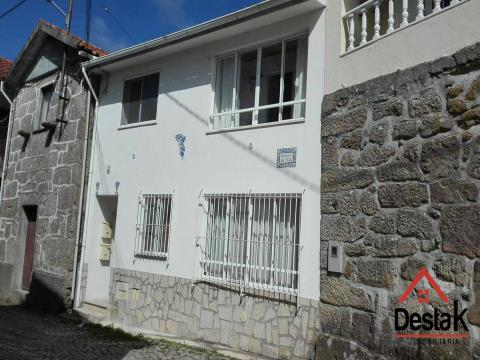 2 bedroom villa located 5 minutes from the industrial area of ​​Oliveira de Frades.