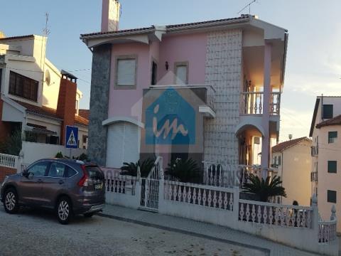 Maison 6 Chambre(s)