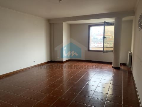 🏠 Apartamento T2 no Centro de Mirandela