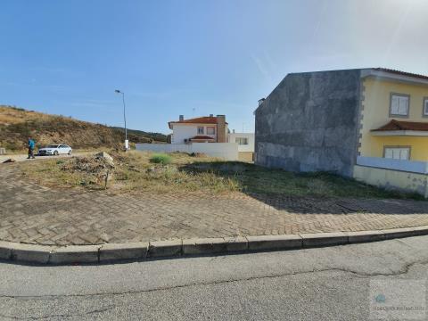 Lote de terreno para construção de uma moradia