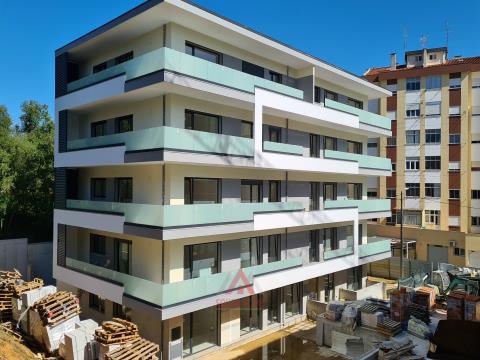 T3 - Condomínio Fechado - Centro - Leiria