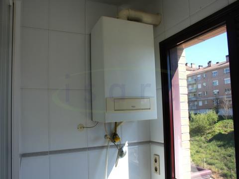 Apartamento T2 Condomínio Fechado a 15 min Hosp S João