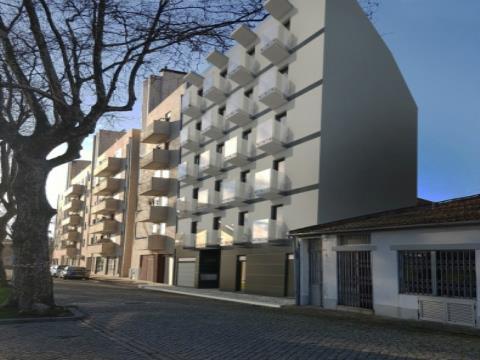 T1 avec terrasse NOUVEAU très bien situé à Leça da Palmeira.