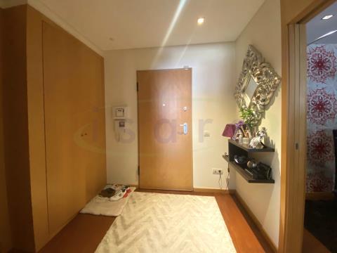 Apartamento T3 de excelente qualidade de construção e acabamentos próximo da Praia