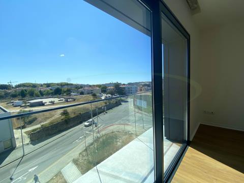 Apartamento T0, de construção nova localizado no Polo Universitário do Hospital de S João