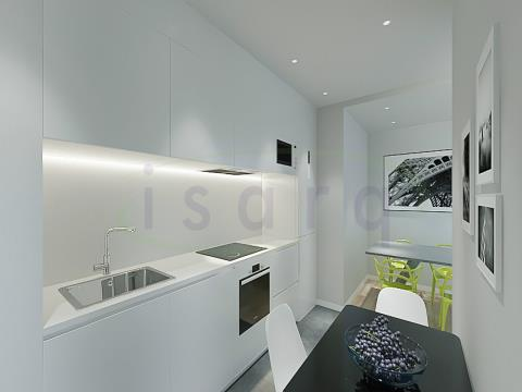2 bedroom apartment with an excellent balcony, NEWLY BUILT! and located 500m from the Subway