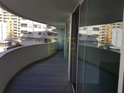 Apartamento T4 Campo Alegre