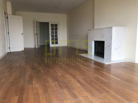 Apartamento T3, Porto, Aviz