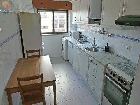 Apartamento T1 em São Marcos, todo virado a sul, muito soalheiro, próximo da CP de Barcarena.