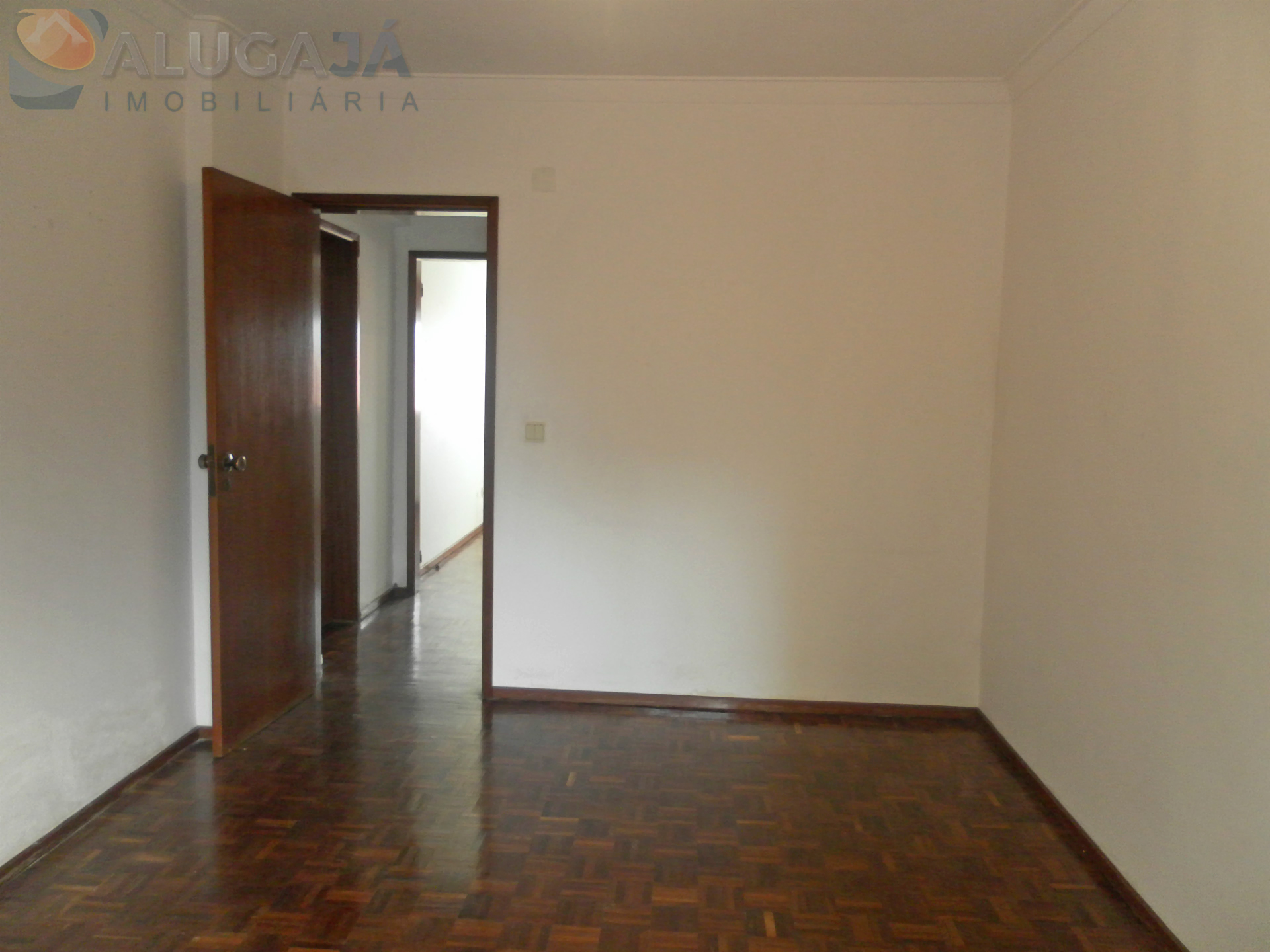 Apartamento T2 no Cacém com terraço de 40m².