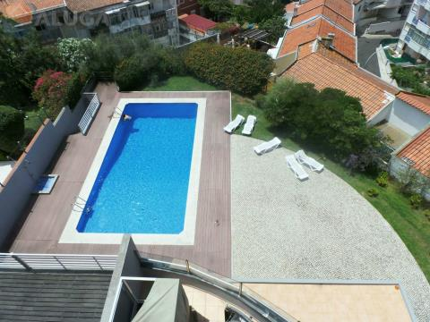 Fantastic 4 bedroom apartment in gated community with open sea views.