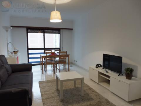 Apartamento T2  mobilado e com cozinha equipada