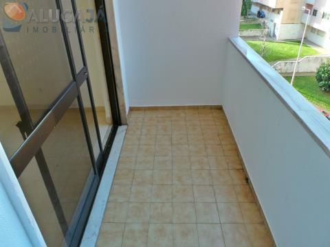 Amplo apartamento T3 em São Marcos com arrecadação, bons acabamentos e muita arrumação