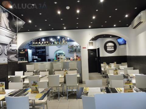 Trespasse restaurante todo equipado na Vila de Oeiras com capacidade de 43 lugares