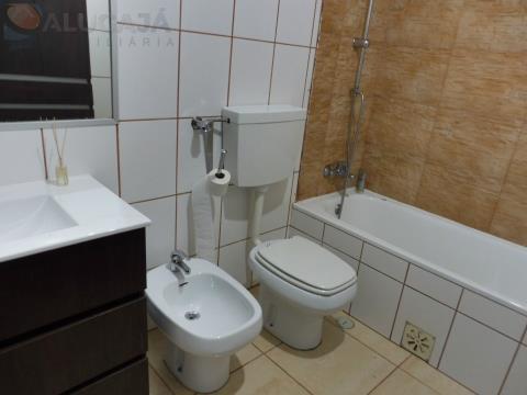 Apartamento T2 em São Marcos, com áreas agradáveis perto do Continente com vista desafogada