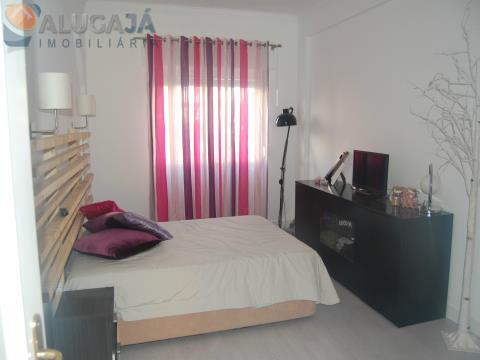 Apartamento T2+1 remodelado em Queluz de Baixo/Barcarena muito bem localizado