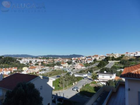 Apartamento T3 com garagem box e arrecadação, situado em São Domingos de Rana/Penedo