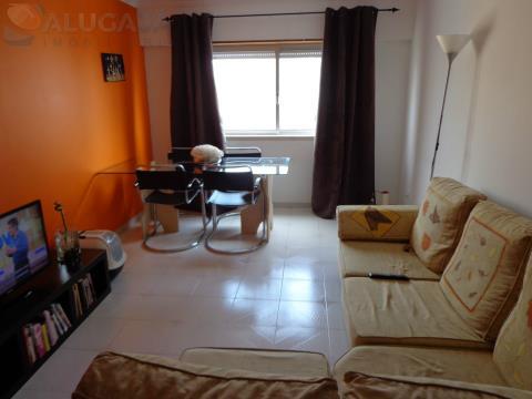 Apartamento T2 em São Marcos, perto do Pingo Doce, em bom estado de conservação