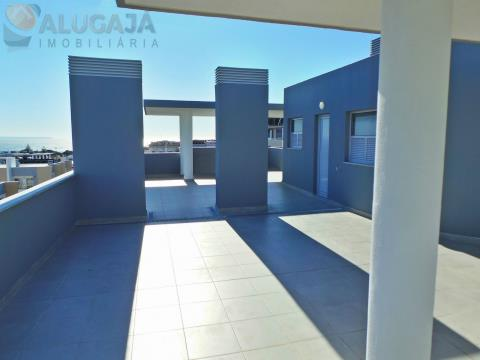 Brand new 3 bedroom apartment with suite, terrace and 3 car garage, located in Quinta das Marianas