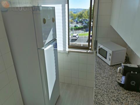 Apartamento T2 na 1ª linha da urbanização, pronto a habitar!