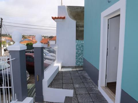 Moradia T2+sótão como nova em S. João Estoril-Excelente Oportunidade