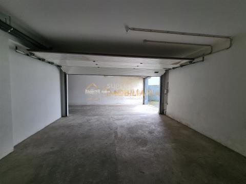 Garagem fechada com 34m2 em Fafe