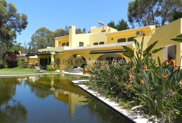 1st line private T5 villa in Golfe da Penina